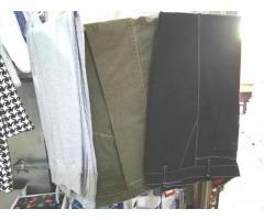 pantaloni e jenas